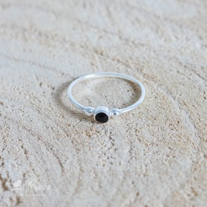 Ring Little Onyx zilver